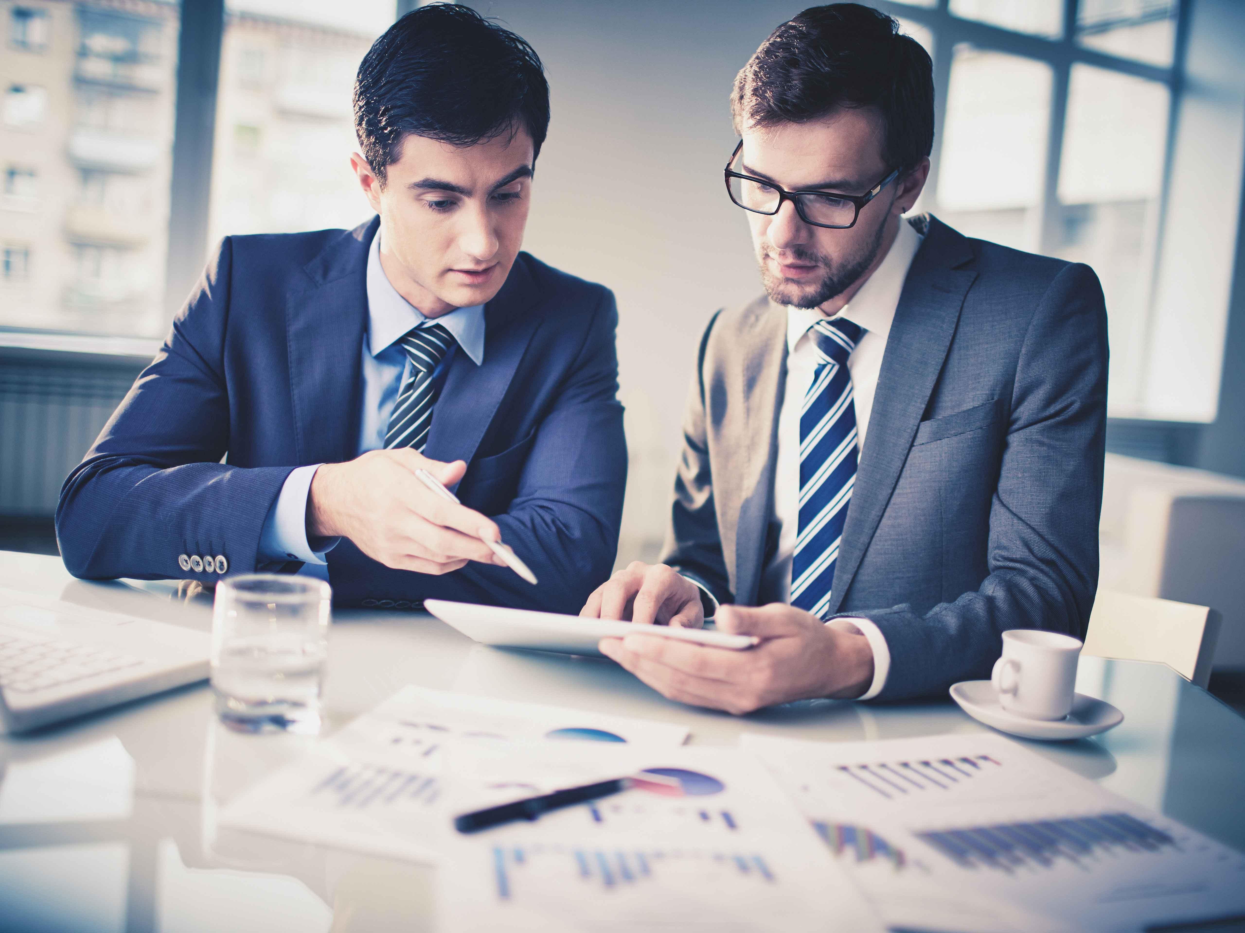 丁建泽:如何构建战略性人力资源管理—做到懂老板、懂业务、懂专业(上) }